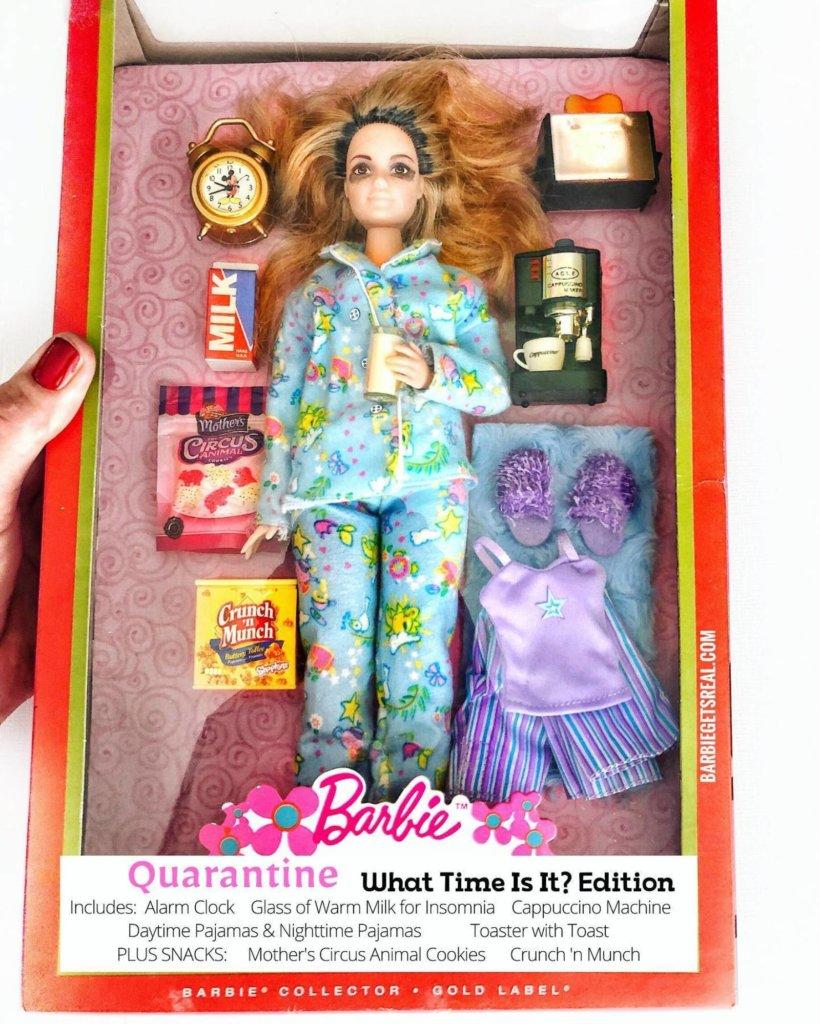 la barbie en pyjama toute la journée