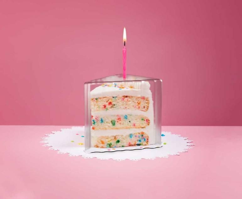 """Le Top It Cake Shield est vendu sur le site internet du créateur à partir de 4,99$ (pour le format """"tranche"""") et jusqu'à 14,99$ (pour les formats rectangulaires et ronds)."""